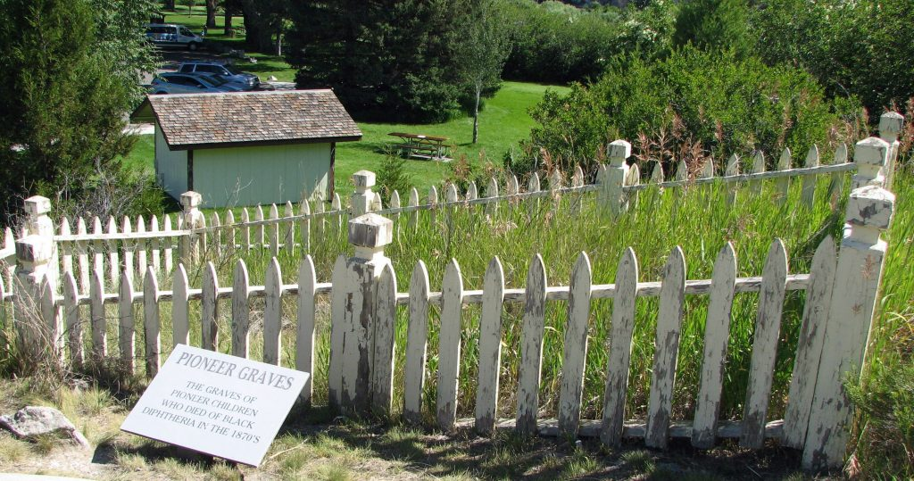 Childeren's graves at Missouri Headwaters State Park